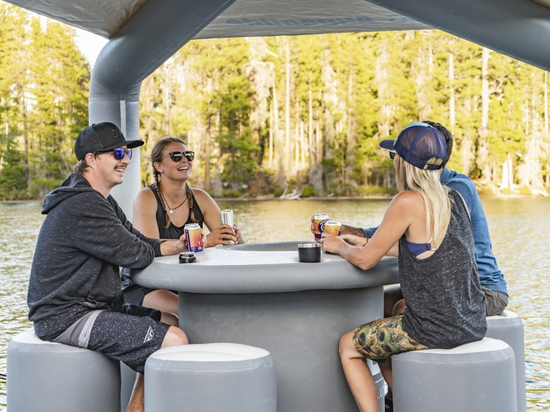 Aquaglide OG Lounge Action