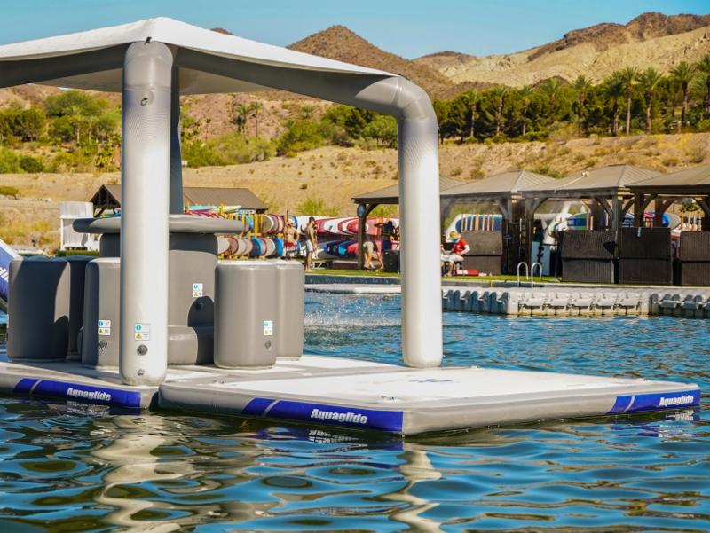 Aquaglide Solarium Lounge Action